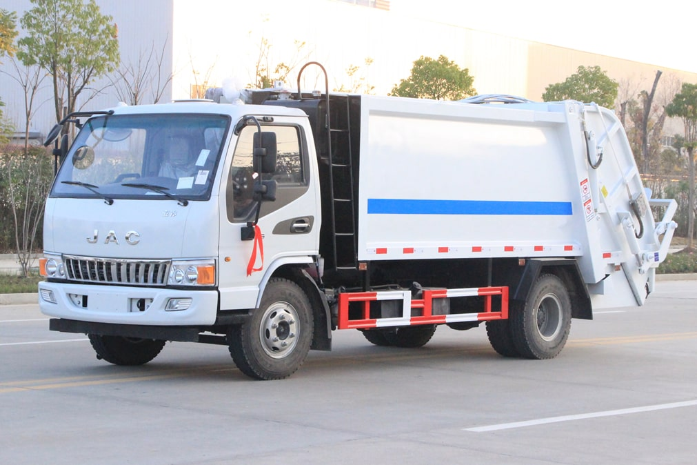国六江淮5-6方压缩式垃圾车