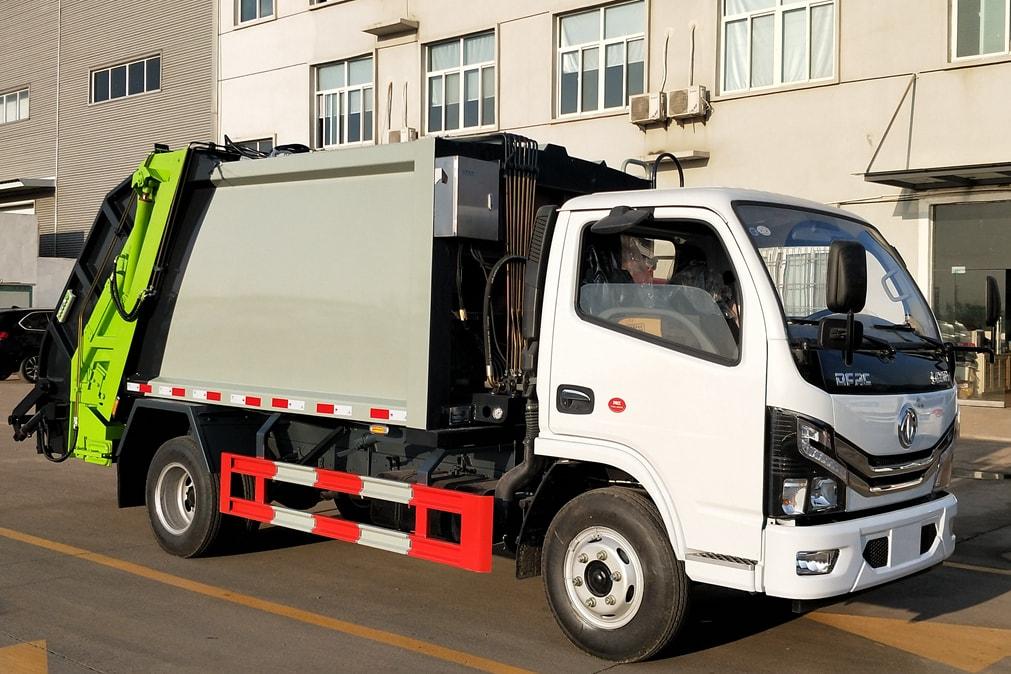 国六东风5-6方压缩式垃圾车